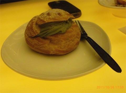 白玉是qq的糯米圆子哦,水糯米做的,很有弹性,不过没有加过其他调味