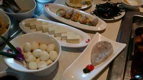 服务好,菜品好的火锅店 - 海底捞火锅评价 - 青岛开饭