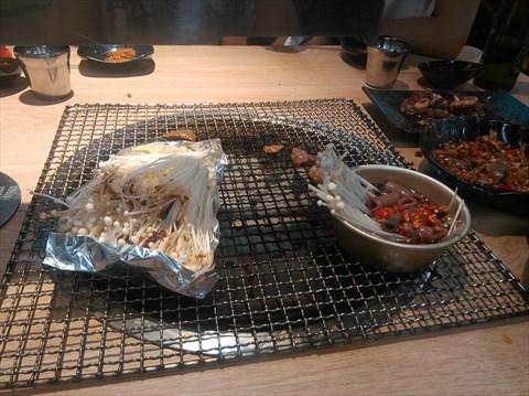 釜山铁桶海鲜烧烤的相片
