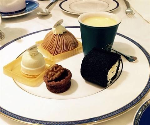 法式甜品吃下午都快想疯了呢,终于找到同志陪我一起来啦,吃的下午茶图片
