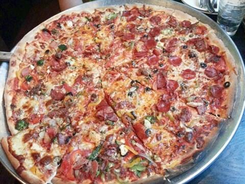垃圾桶口味的披萨 - 朝阳区的站点比萨)